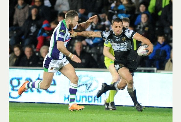 SPORT with James story 7-3-15 Hull FC's Aaron Heremania on the charge during their match against Bradford at the KC Stadium. Picture: Simon Renilson Prints can be ordered at www.thisisphotosales.co.uk/hullandeastriding or telephone 08444 060 910
