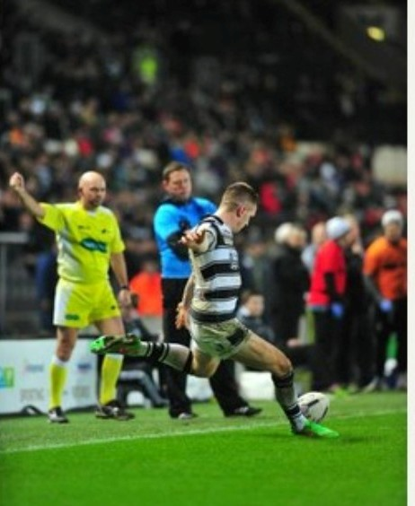 Sport for James Smailes - 13-2-15first:utility super league game between Hull FC and Warrington Wolves at the KC Stadium, Hull.Pictured is Marc Sneyd kicking a goal.Final score Hull 6 - Warrington 7   Picture: Peter Harbour