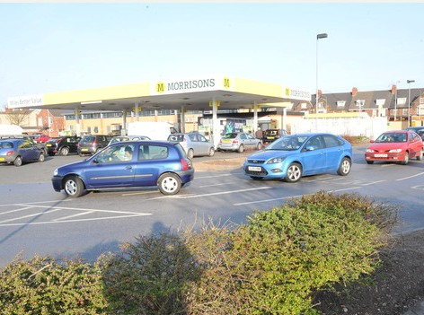 Prints can be ordered from www.thisisphotosales.co.uk/hullandeastriding or telephone 08444 060 910 NEWS...with James Campbell, 29/03/12  :  Pictured, motorists queue for fuel at Morrisons filling station, Holderness Road, Hull. Picture: Jerome Ellerby  petrol station, panic buying