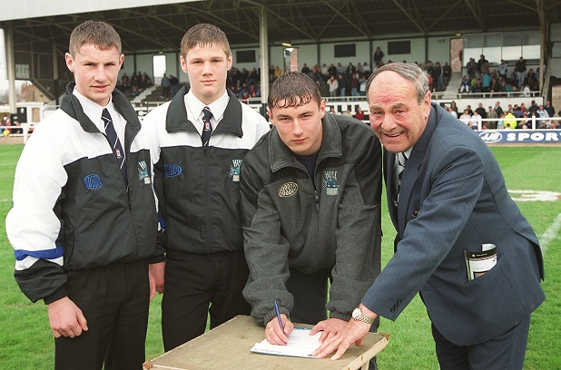 SPORT ; David Kirkwood, (right) chairman of Hull Sharks, looks on a three new players sign for the club, (left to right) Steve Musgrave, Kirk Yeaman, Ian Bell.
