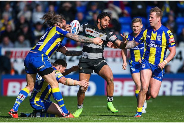 Picture by Alex Whitehead/SWpix.com - 01/04/2017 - Rugby League - Betfred Super League - Warrington Wolves v Hull FC - Halliwell Jones Stadium, Warrington, England - Hull FC's Albert Kelly is tackled by Warrington's Ben Westwood, Ashton Sims and Joe Westerman.